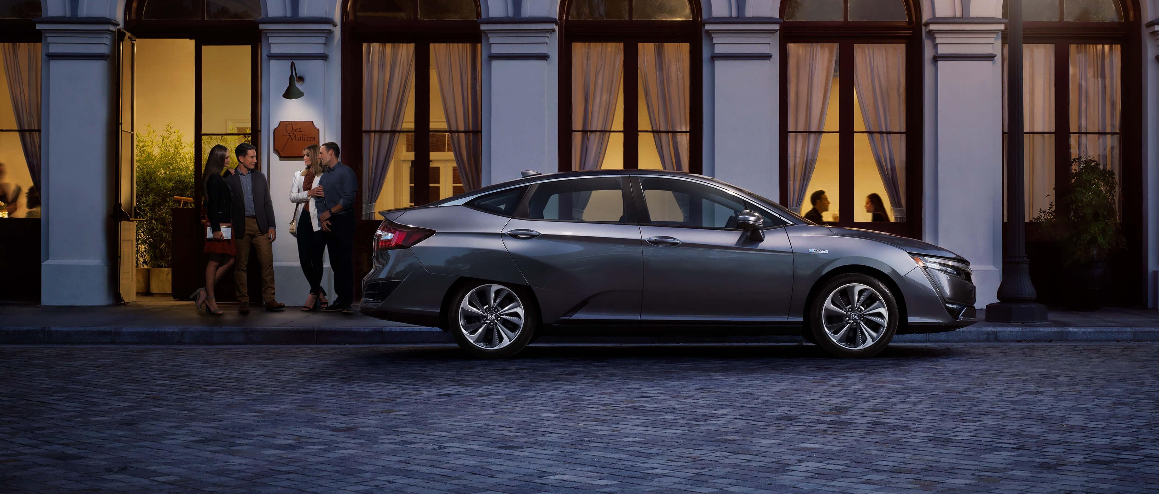 Honda clarity hybrid side urban